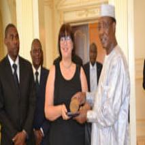 DISTINCTION : lUnion internationale des huissiers de justice honore IDRISS DEBY ITNO